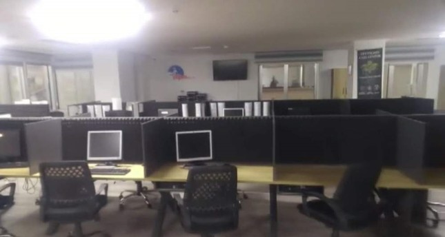 The fake call center set up by the gang in Istanbul. The gang used the place to defraud unsuspecting victims. DHA Photo