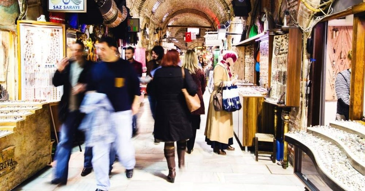 Built in the 17th century, Kemeraltu0131 Bazaar is still the heart of Izmir's trade scene. (iStock Photo)