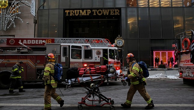 New York Fire Department crew respond after a fire broke out at Trump Tower in Manhattan, New York City, U.S. Jan. 8, 2018. (Reuters Photo)