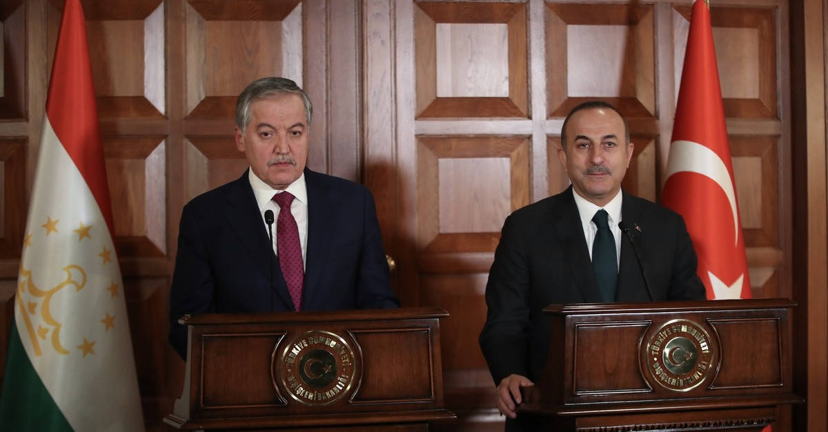 Foreign Minister Mevlu00fct u00c7avuu015fou011flu (Right) with his Tajik counterpart Sirojiddin Aslov during press conference in Ankara, April 22, 2019. (AA Photo)