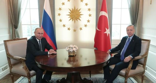 أردوغان يلتقي بوتين على هامش القمة الثلاثية حول سوريا