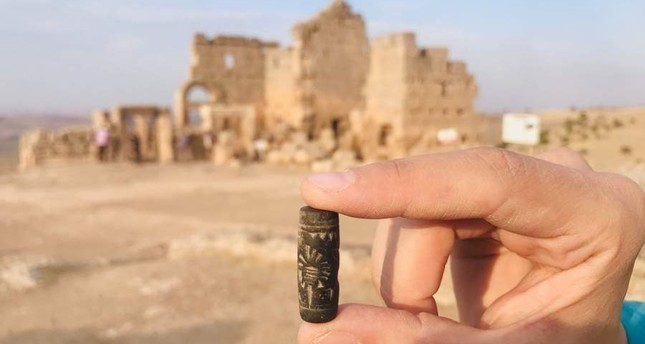 Archaeologists discovered a 3,000-year-old stamp dating back to the Assyrian era in southeastern Turkey's Diyarbakır province. (AA Photo)