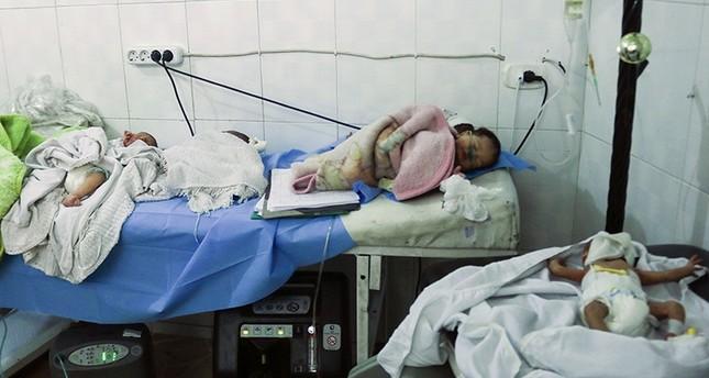 Die evakuierten Neugeborenen im Keller des Krankenhauses (AFP Foto)
