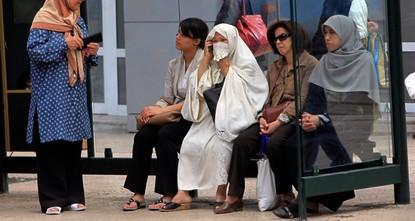 القره داغي يرد رداً حاسماً على تصريحات مفتي مصر حول مسلمي أوروبا