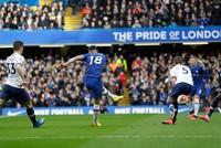 Chelsea beats Mourinho's Spurs, keeping top 4 spot