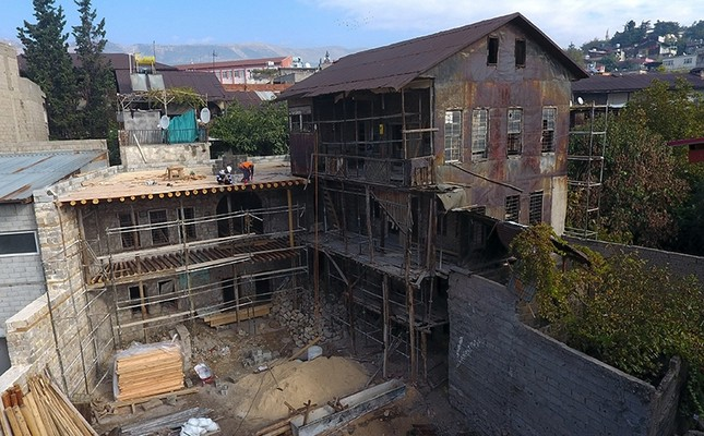 Restoration works at the 20th-century Üdürgücü mansion, Kahramanmaraş, Turkey, Nov. 26, 2017. (İHA Photo)