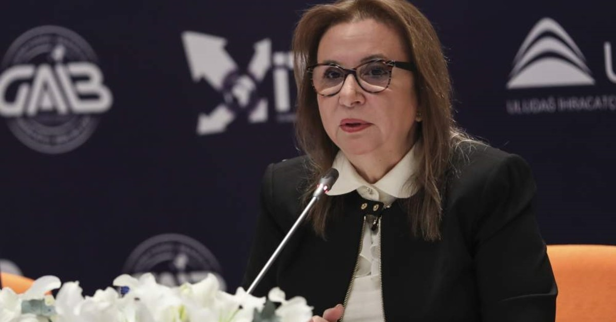 Trade Minister Ruhsar Pekcan speaking at the meeting on Turkey's textile and ready-to-wear industry. (AA Photo)