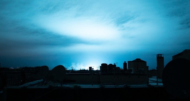 transformer-explosion-turns-new-york-sky