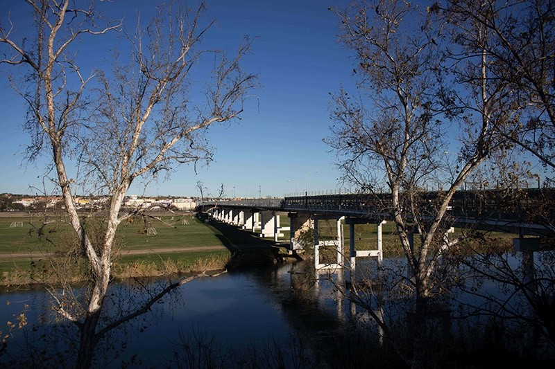 A view of the International bridge on the US/Mexico border in Piedras Negras on February 21, 2017 northern Mexico. (AFP Photo)