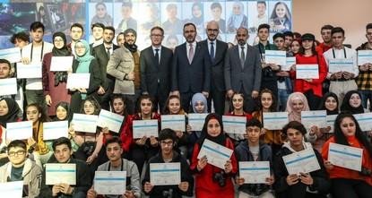 معرض مشترك لمصورين شباب أتراك وسوريين في مطار إسطنبول