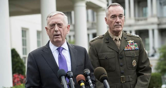 US Defense Secretary James Mattis (L) speaks to the press with Gen. Joseph Dunford, at the White House in Washington, DC, on September 3, 2017. (AFP PHOTO)