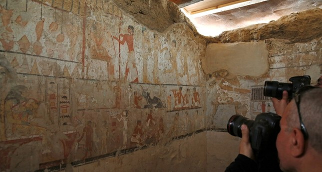 Media cover the discovery tomb of a priestess named Hetpet belonging to a fifth dynasty in Old Kingdom at the Giza plateau, the site of the three ancient pyramids on the outskirts of Cairo, Egypt February 3, 2018.  (Reuters Photo)