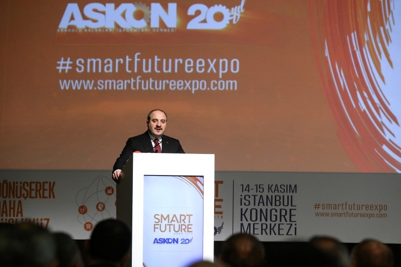 Minister of Science, Industry and Technology Mustafa Varank speaks at the Smart Future Expo 2018 event organized by Anatolian Lions Businessmen Association (ASKON) in Istanbul, Nov. 14, 2018. (AA Photo)