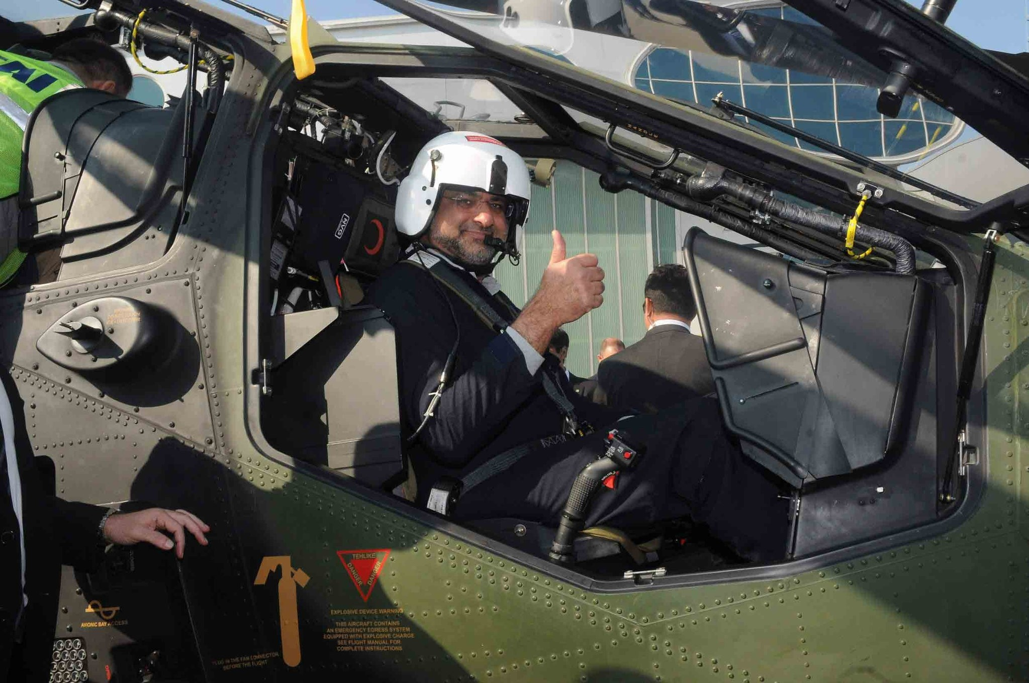 Pakistani Prime Minister Shahid Khaqan Abbasi previously tested a T129 ATAK helicopter and appreciated its impressive qualities.