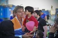 Renowned Turkish cardiac surgeon Dr. Öz helps children in Syria's Azaz