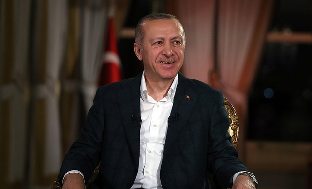 President Recep Tayyip Erdoğan speaks in TRT interview with moderators Serdar Karagöz and Sermin Baysal Ata on Sunday, Feb. 3, 2019. (AA Photo)