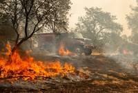 Death toll rises to 6 as California wildfire rages on