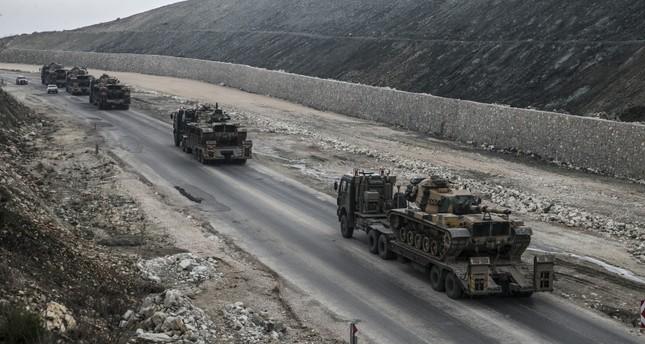 الجيش التركي يواصل مناوراته قرب إدلب ويدفع بتعزيزات جديدة نحوها