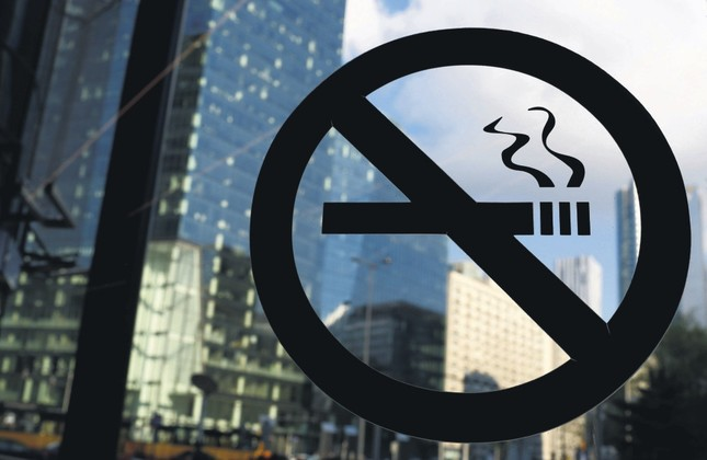 Turkey's anti-smoking campaign stretches to patios at cafes, restaurants