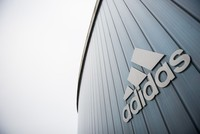 Schuhsponsor Adidas steht zu Özil - Vertrag bis 2020