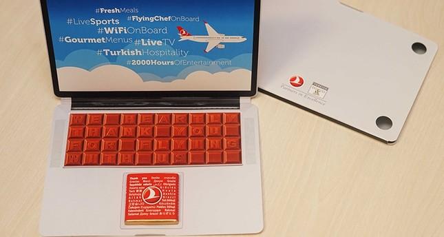 الخطوط الجوية التركية تقدم حاسوباً من الشيكولاتة للمسافرين لأمريكا وبريطانيا