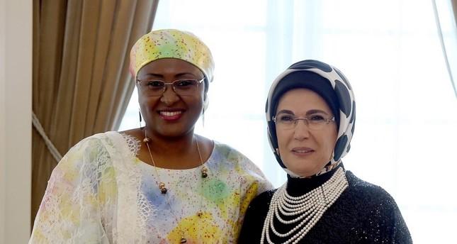 First lady diplomacy: Erdoğan, Buhari emphasize Turkish-Nigerian friendship on Twitter