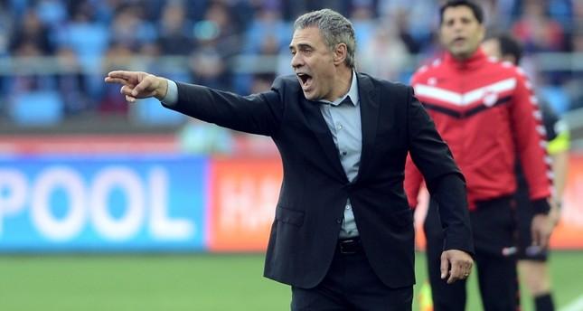 Fenerbahçe signs former coach Yanal in 1.5 year deal