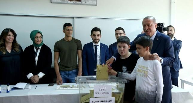Politicians cast ballots in Turkey's June 24 elections