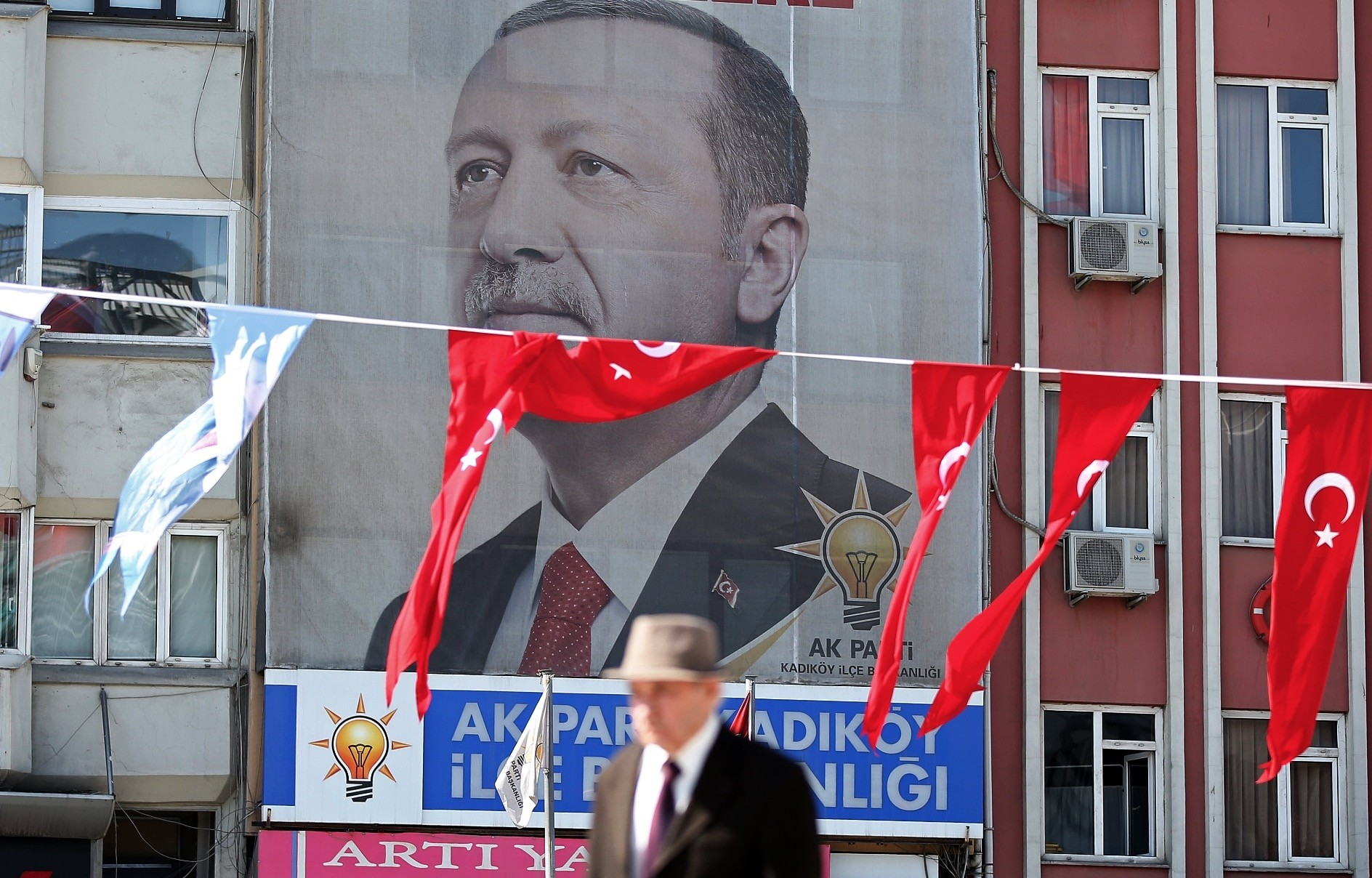 The Turkish government decided to change the presidential and parliamentary electionsu2019 date following the recommendation of the Nationalist Movement Party (MHP) leader Devlet Bahu00e7eli. Elections will be held on June 24.