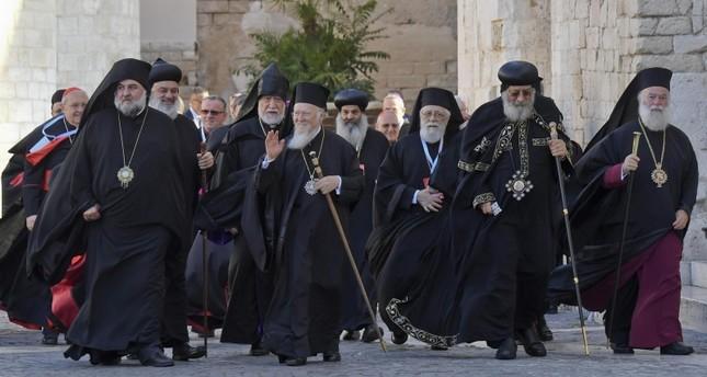 بطاركة ورجال الدين المسيحي المشرقيين في ضيافة بابا الفاتيكان الفرنسية