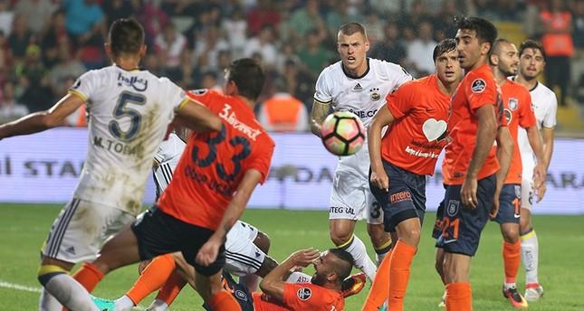 فنربهتشه يتلقى هزيمة من باشاك شهير في افتتاحية الدوري التركي