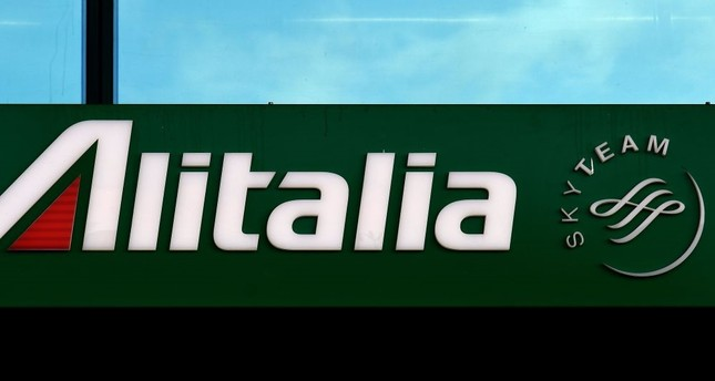 Alitalia's future in doubt as staff rejects rescue plan