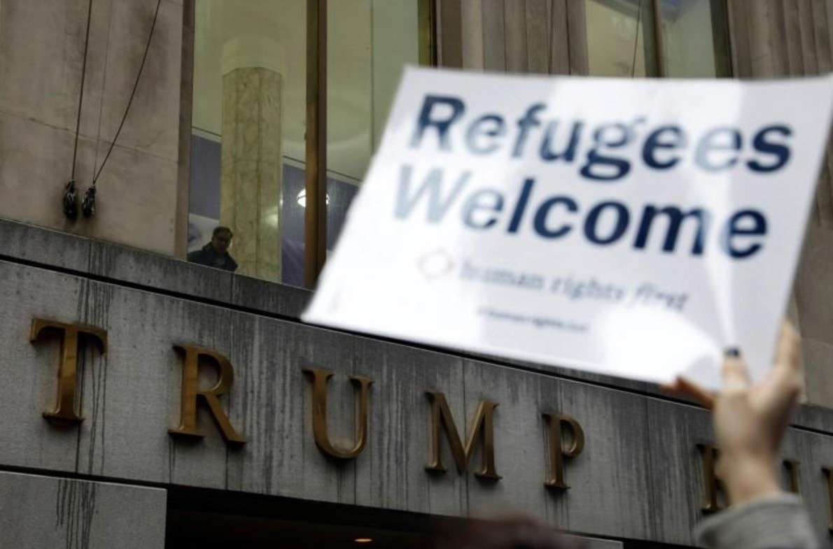 Protesters gather outside the Trump Building at 40 Wall St. to take action against Americau2019s refugee ban in New York City, U.S., March 28, 2017. (Reuters Photo)