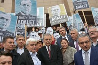 A heavy penal court in Turkey's western province of Izmir acquitted Mayor Aziz Kocaoğlu and 128 other municipality officials from corruption charges and a subsequent lawsuit launched by prosecutors...