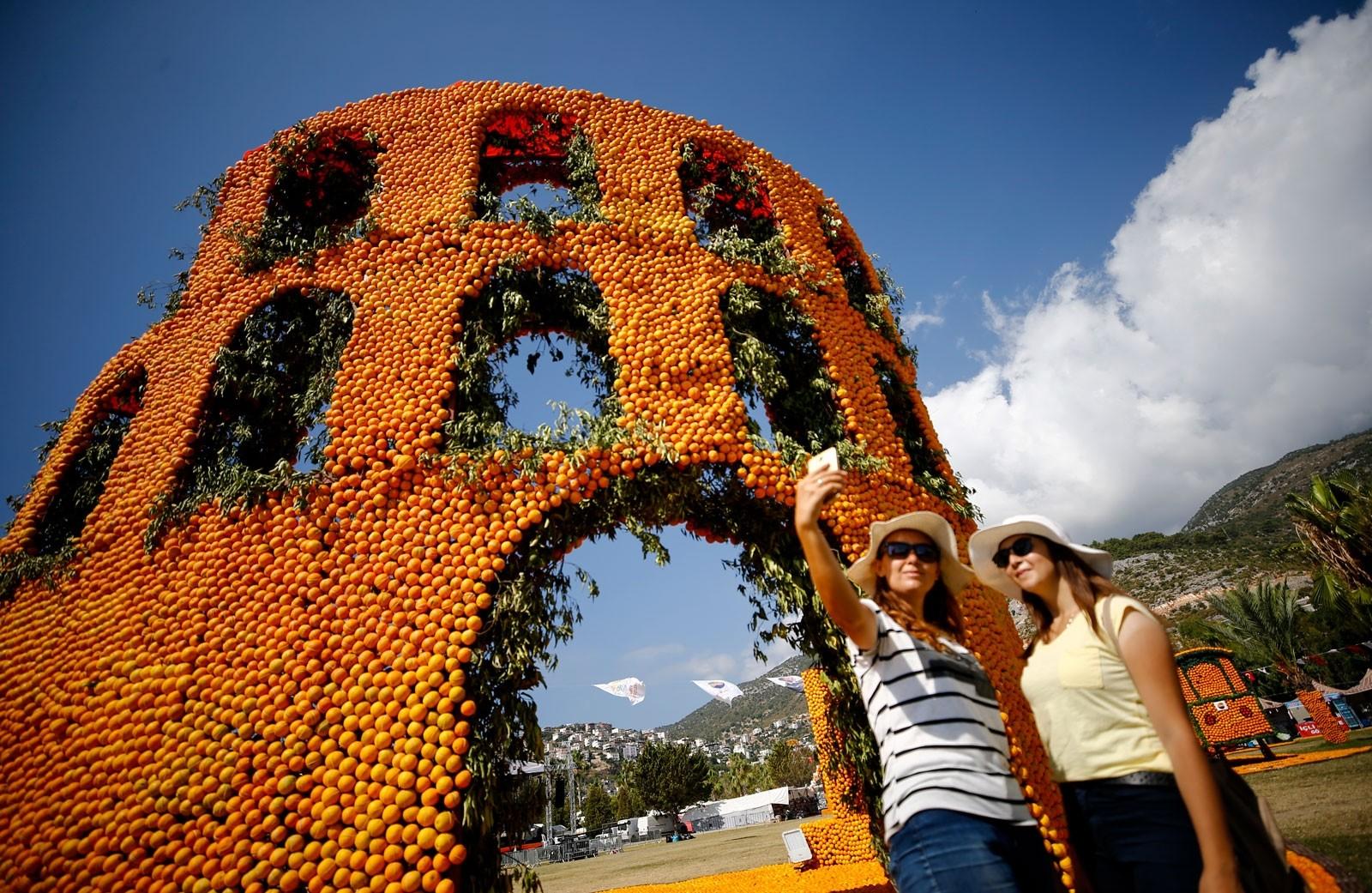 Картинки по запросу фестиваль апельсинов (Orange Finike).