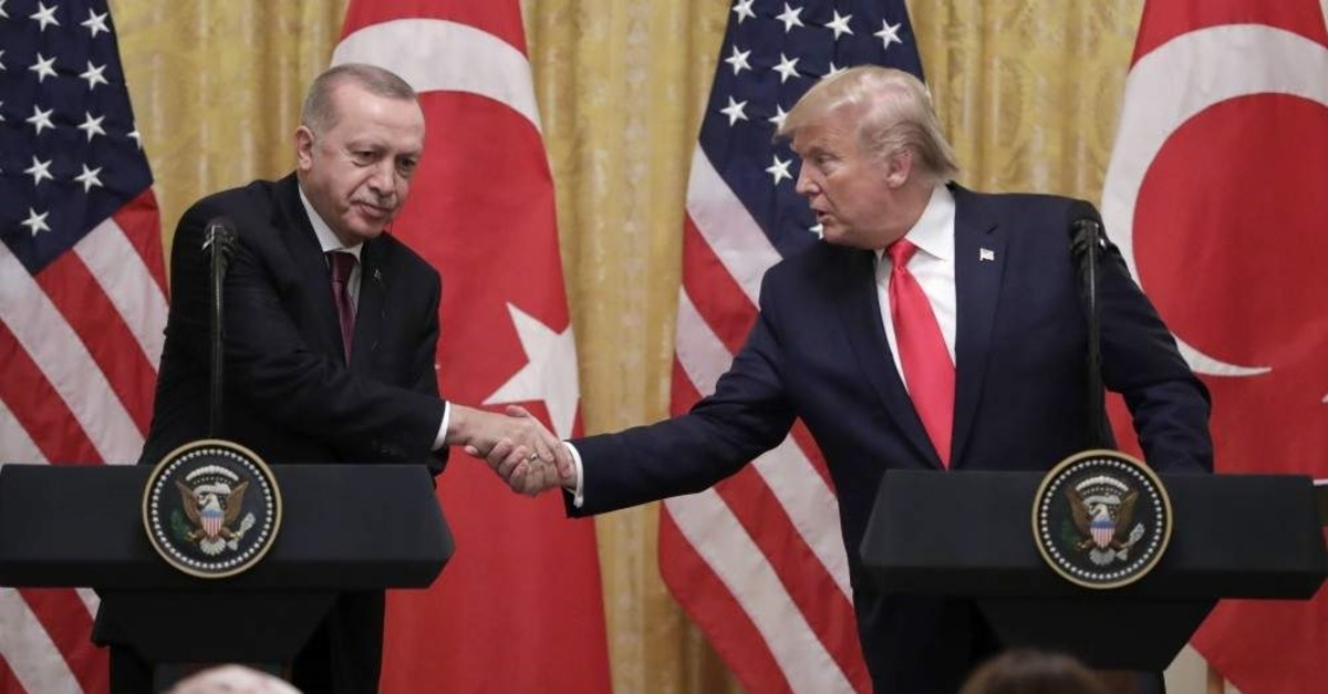 President Recep Tayyip Erdo?an and U.S. President Donald Trump (R) shake hands during a news conference in the East Room of the White House, Nov. 13, 2019. (AP Photo)