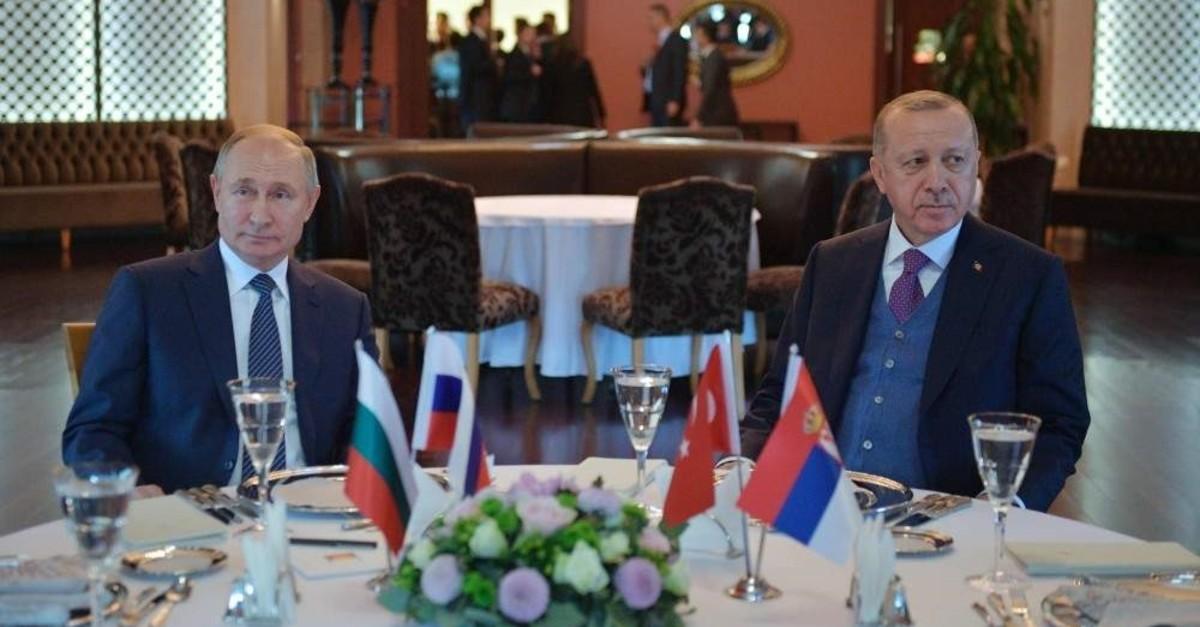President Recep Tayyip Erdou011fan and Russian President Vladimir Putin attend a meeting in Istanbul, Jan. 8, 2020. (AFP Photo)
