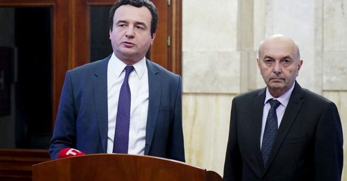 Albin Kurti (L) leader of the Vetevendosje (Self Determination ) party and Isa Mustafa (R) leader of the Democratic League of Kosovo (LDK) attend a press conference, Pristina, Feb. 2, 2020. (AFP Photo)