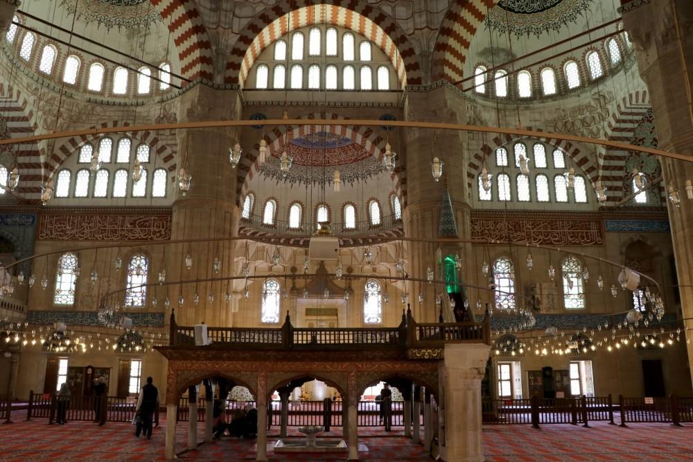 Interior of Su00fcleymaniye Mosque, Mimar Sinanu2019s masterpiece in Edirne.