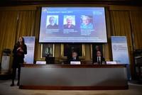 Der Chemie-Nobelpreis geht in diesem Jahr an den Schweizer Jacques Dubochet, seinen US-Kollegen Joachim Frank und den Briten Richard Henderson. Wie die schwedische Akademie der Wissenschaften am...