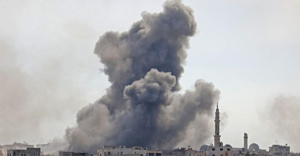 Smoke plumes billowing in the Syrian village of al-Nayrab, about 14 kilometres southeast of the city of Idlib in the northwestern Idlib province, during bombardment by Syrian regime forces and its allies Feb. 3, 2020.  (AFP)