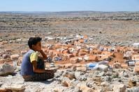 طفل سوري ممن نزح من خان شيخون (الفرنسية)