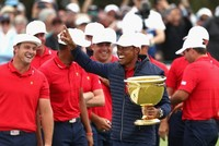 Tiger Woods leads US to Presidents Cup win