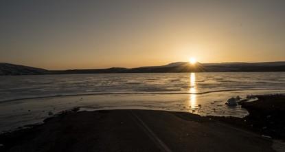 تركيا.. سدّ متجمّد يجذب عشاق التصوير بـقارص