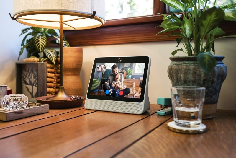 A smart speaker device by Facebook Inc. called Portal is shown in this photo released by Facebook Inc. from Menlo Park, California, U.S., October 5, 2018. (Reuters Photo)