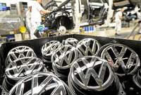 Erstmals seit mehr als 50 Jahren kommt das meistverkaufte Auto des Jahres in Schweden nicht von Volvo. Nummer eins der Neuwagenmodelle im vergangenen Jahr war der VW Golf, wie der Branchenverband...