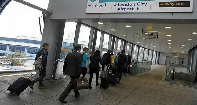 العثور على طرود ناسفة في مطارات ومحطة للسكك الحديدية في لندن