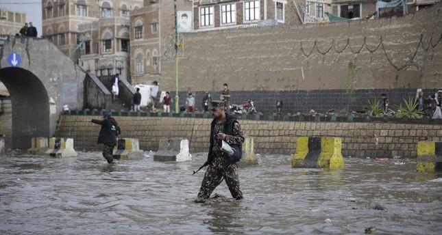 Yemen fighting escalates, endangering peace efforts