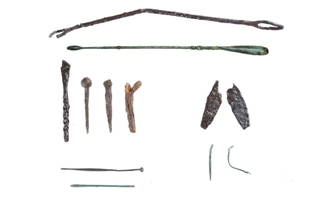 Some of the medical tools found during excavation of the ancient health center in Gölyazı. (IHA Photo)