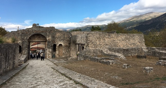 The Ottoman gate entranceway to the seraglio district that Evliya Çelebi describes in his 1670 visit to Ioannina as one of the four Muslim negihborhoods.